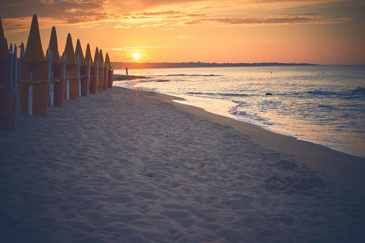 Matrimonio Spiaggia Puglia : Sposarsi in puglia spiaggia e al mare cauliweddings
